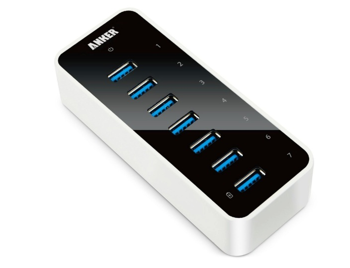 Anker-USB 3.0-7-Port hub-with-charging port