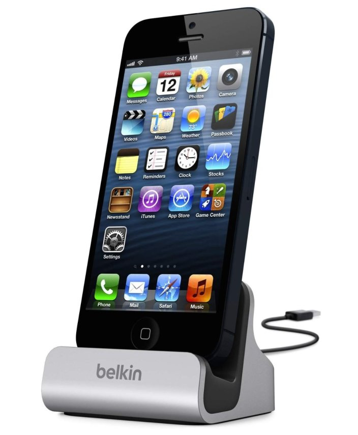 belkin-lightning-charge-sync-dock-iphone