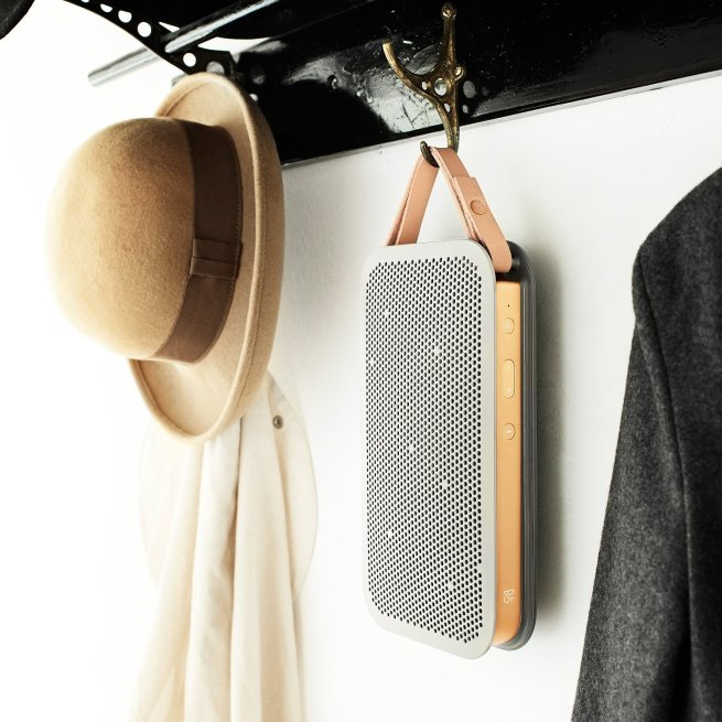 b&0-beoplay-a2-green