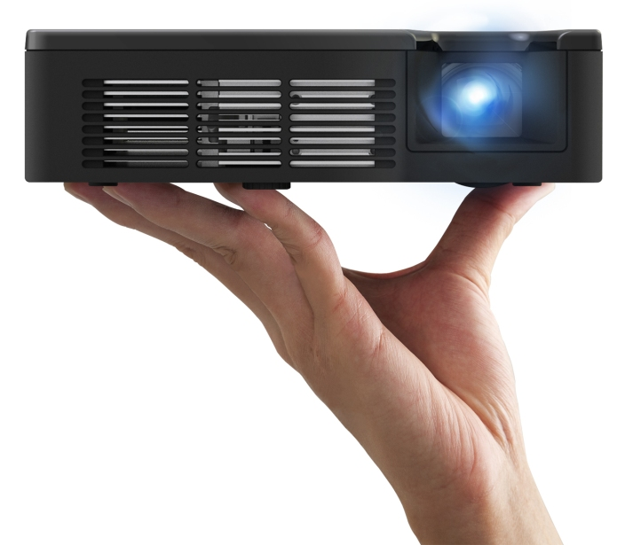 pled-w800-projector-01