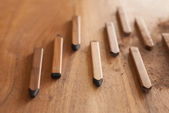 FiftyThree_Pencil_Walnut_WoodGrain