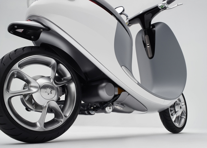 Gogoro-Smartscooter-Back-Right-Quarter