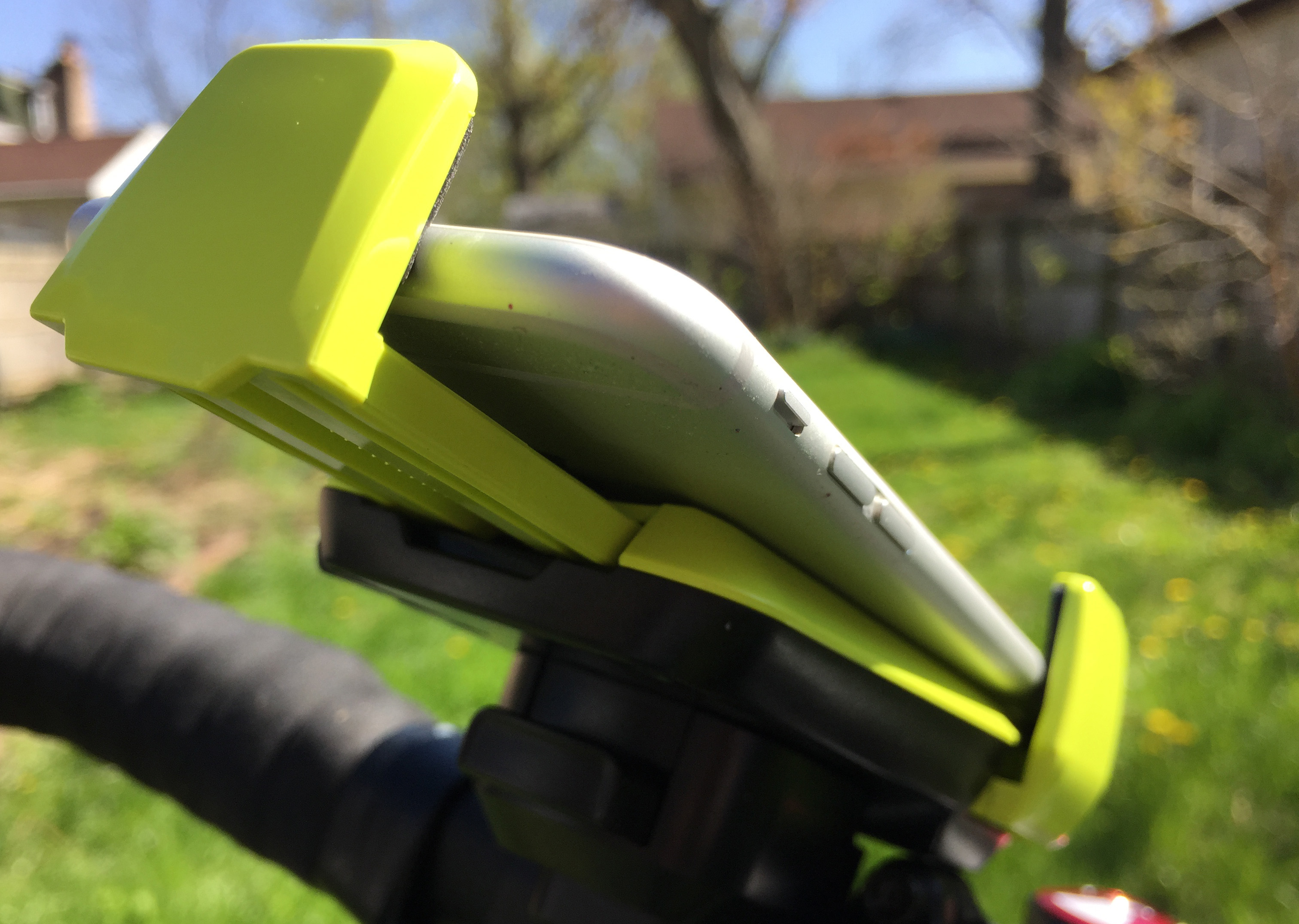 iottie-active-edge-bike-mount69