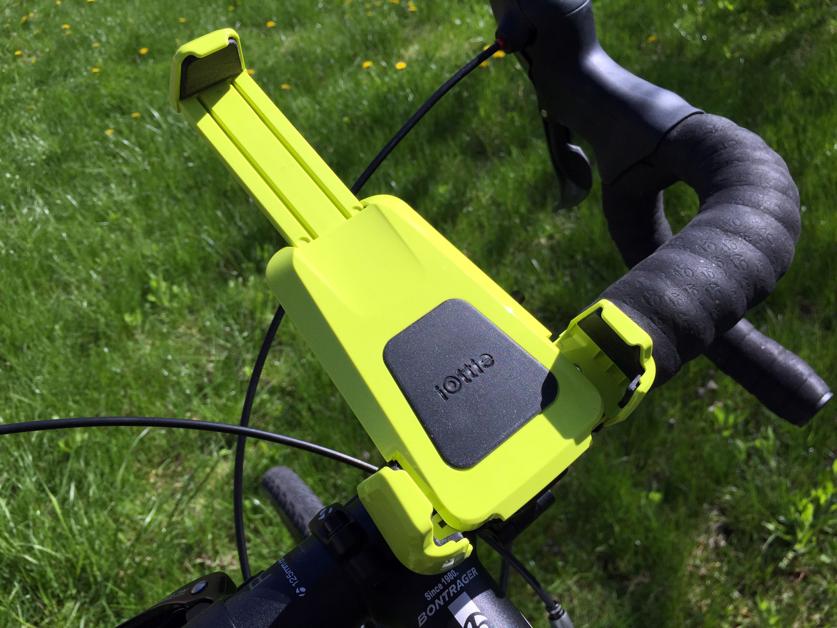 iottie-active-edge-bike-mount83