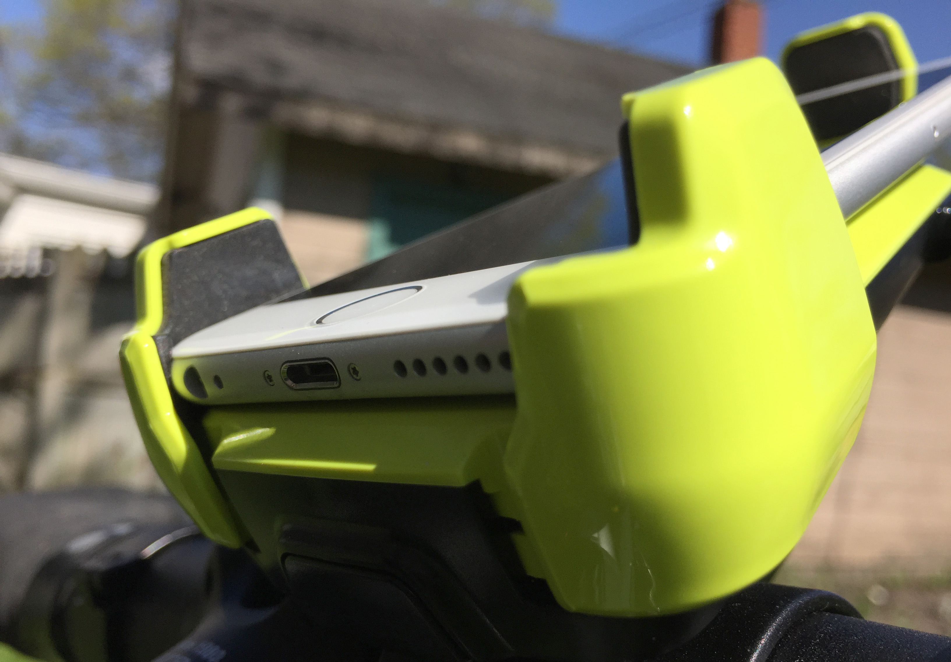 iottie-active-edge-bike-mount96