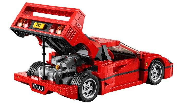 LEGO Creator Ferrari F40-01