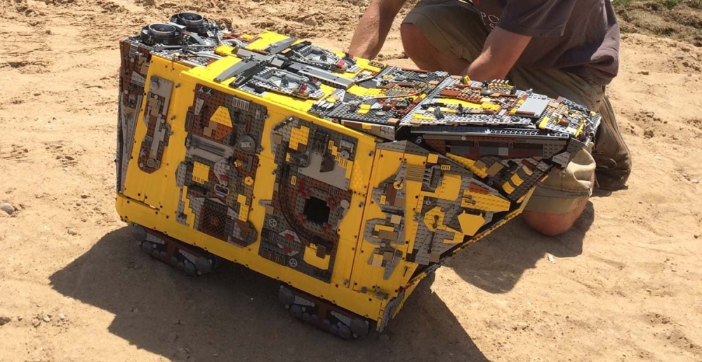 sandcrawler-lego-starwars