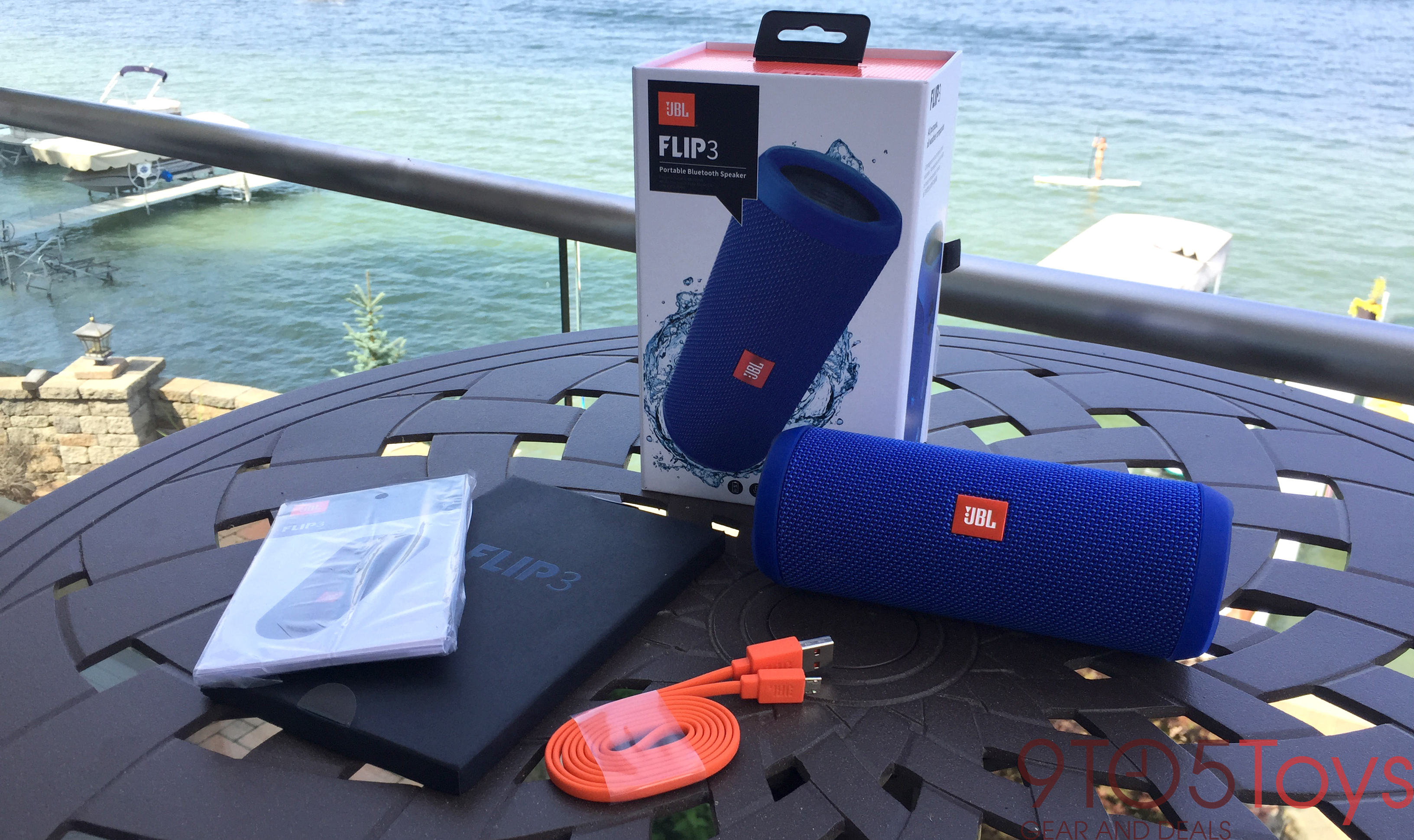 jbl-flip-3-contents-9to5toys