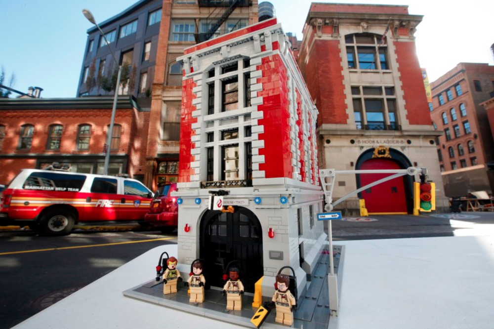 lego-ghostbusters-firehouse-set