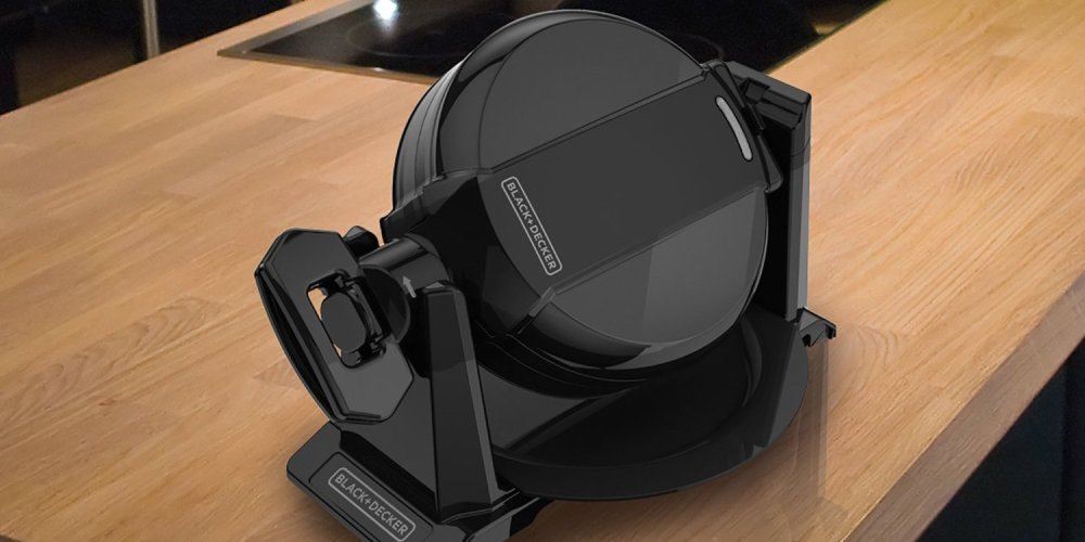 Black + Decker Double Flip Waffle Maker in Black