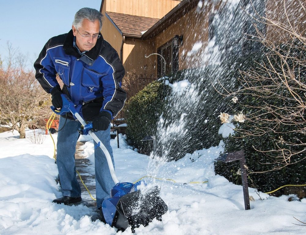 Snow Joe 10-Amp Electric Snow Shovel with Light in blue