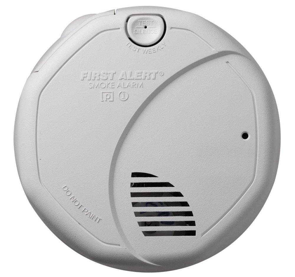 First Alert Dual Sensor Battery-Powered Smoke and Fire Alarm (SA320CN)