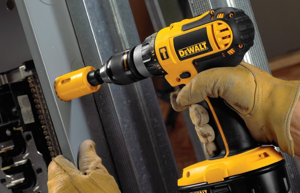 DEWALT 18V Ni-Cad 1:2%22 Cordless Compact Hammer Drill]