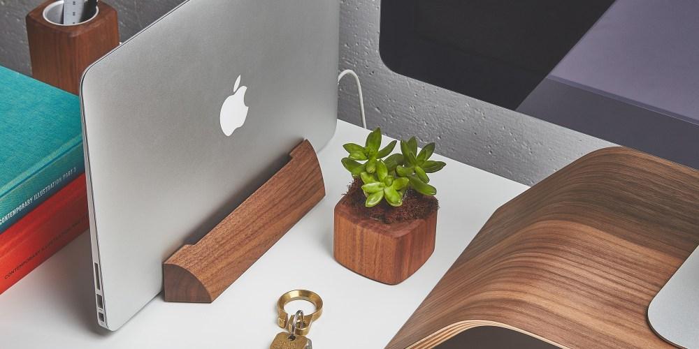 grovemade-macbook-dock-walnut