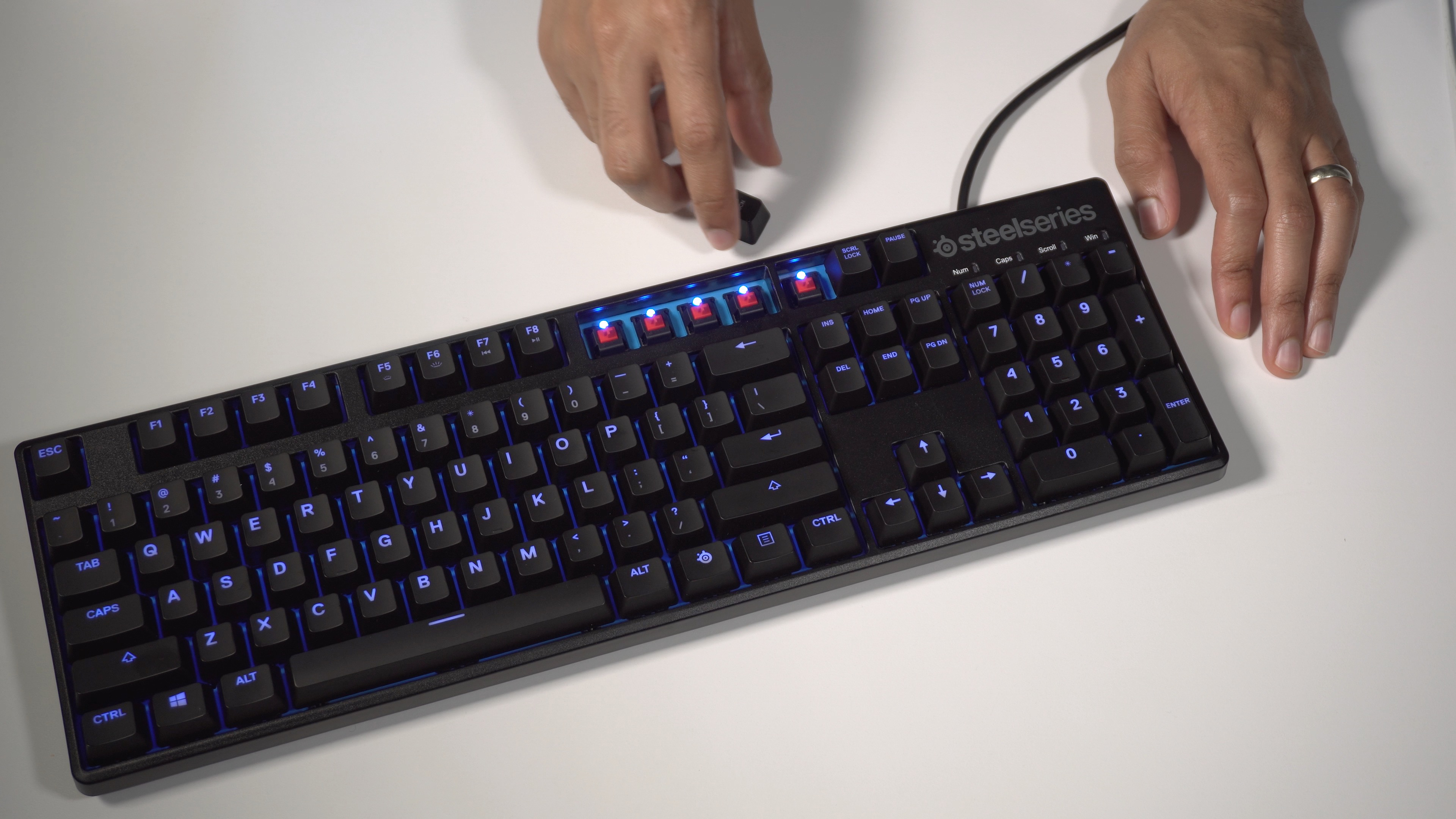d4af27e2d64 The SteelSeries Apex M500 is a lean mechanical gaming keyboard with Cherry  MX Red switches [Video]