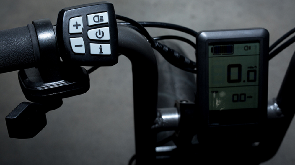 super-73-handlebar-controls