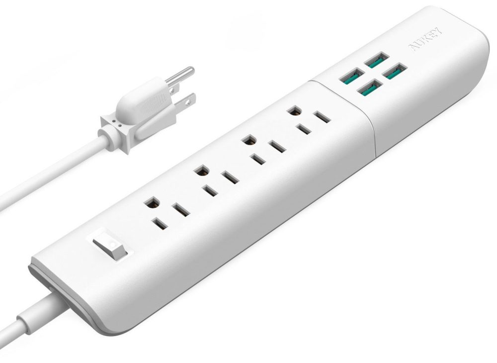AUKEY Surge Protector 4-Port 20W:4A USB Charger with 4 Outlets Power Strip