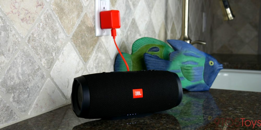 Review: The JBL Charge 3 is the perfect summer Bluetooth