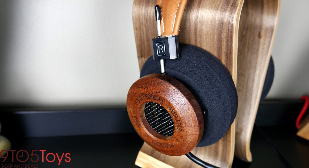 grado-gs2000e-headphone-stand