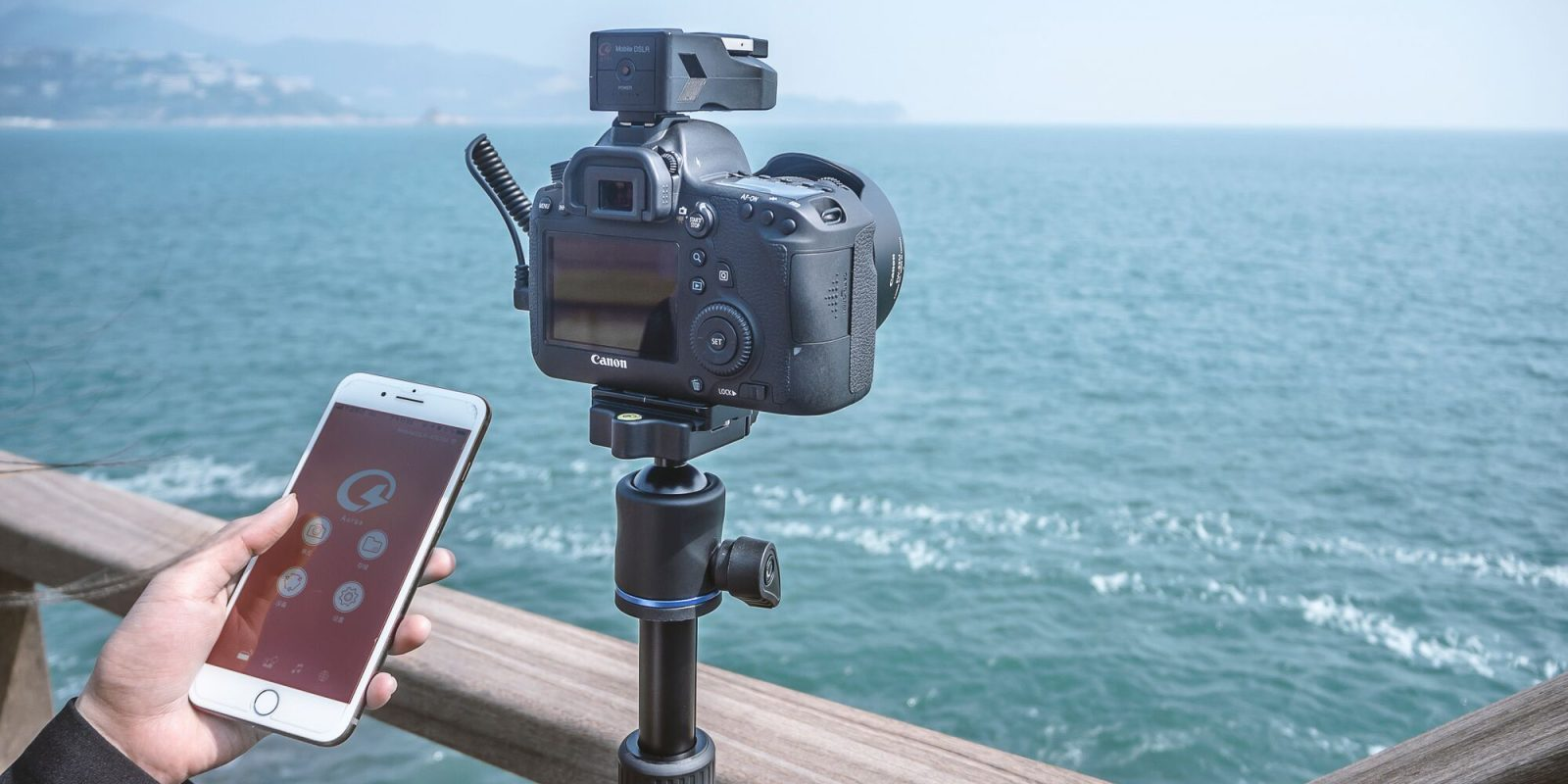 Aurga is the 'world's first smart DSLR assistant' to help you take your best shots