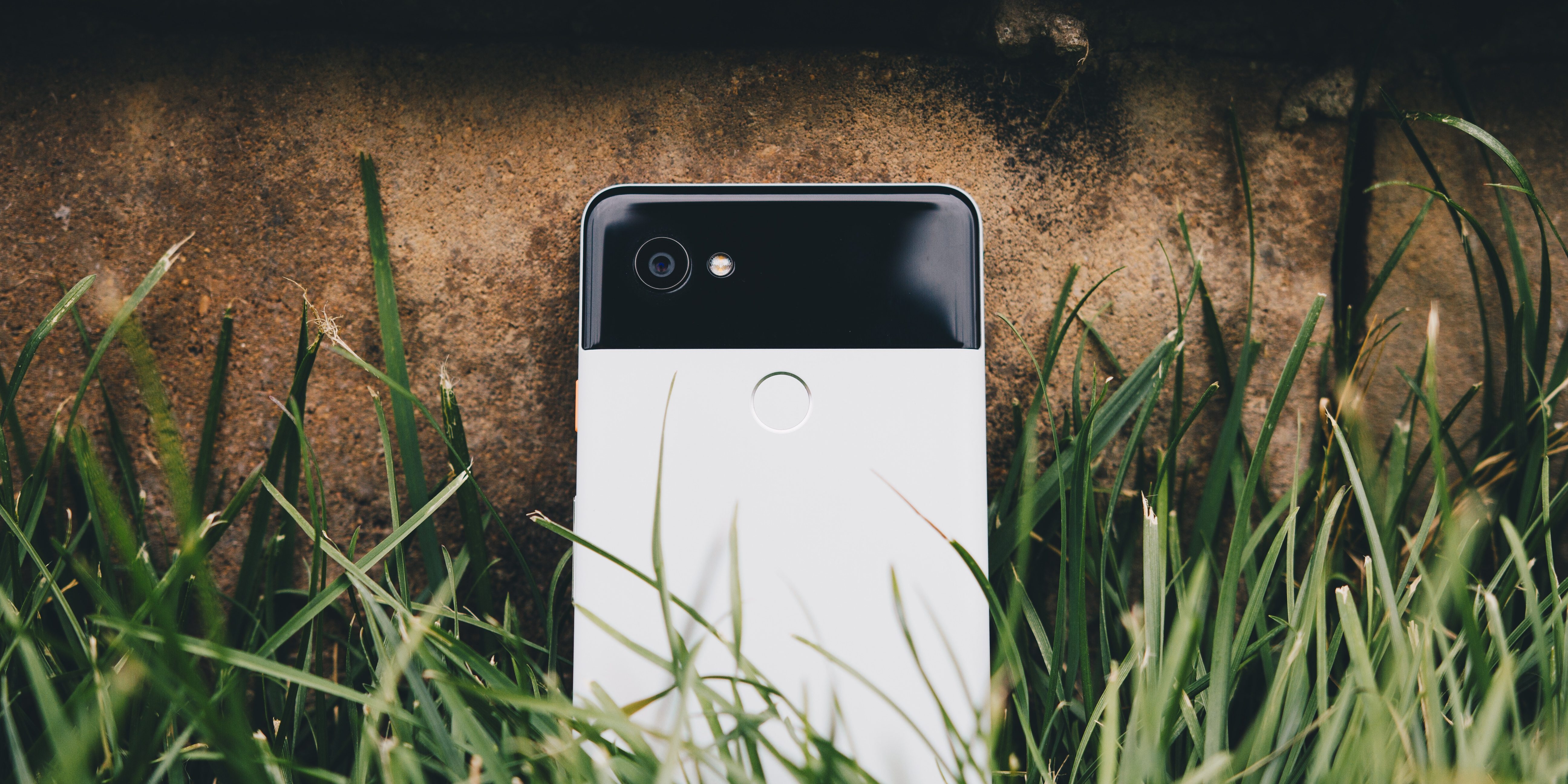 Pixel 2 XL is up to $500 off at Best Buy, today only