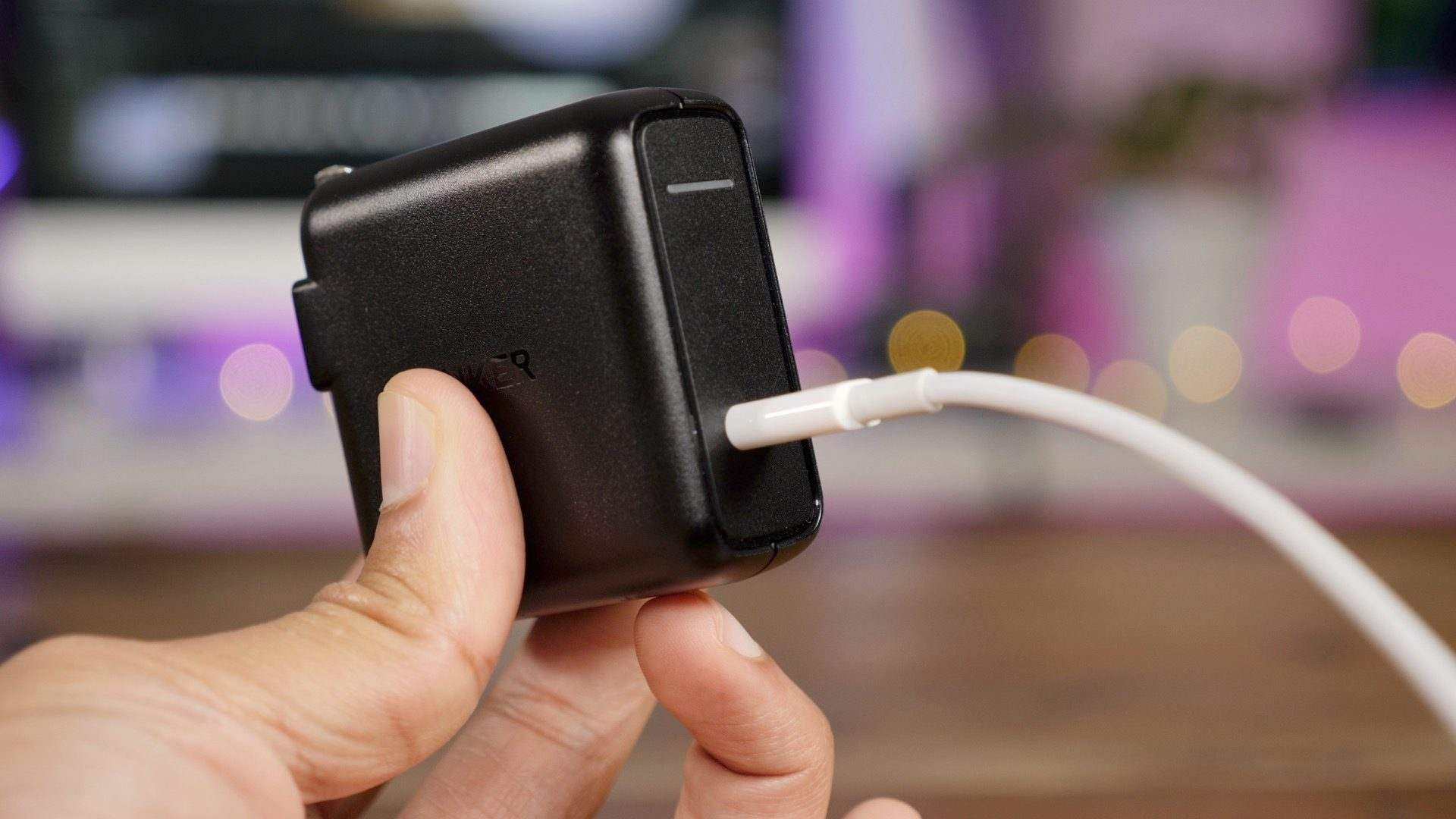Apple's Latest iPhones are Shipping W/ a Puny 5W Charger, Try these Faster Alternatives Instead