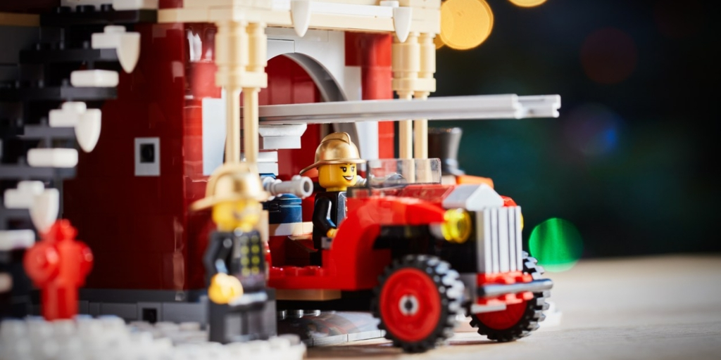 LEGO retiring 2020