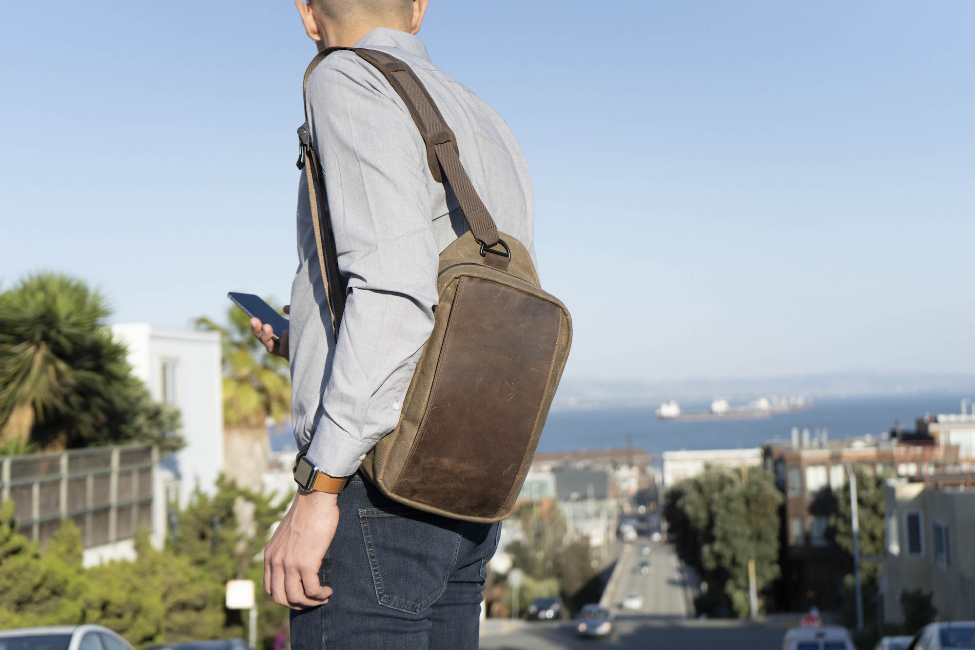 Sutter Tech Sling Bag for iPad Pro and MacBook Air