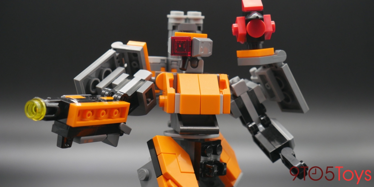 LEGO Overwatch Bastion Action Pose
