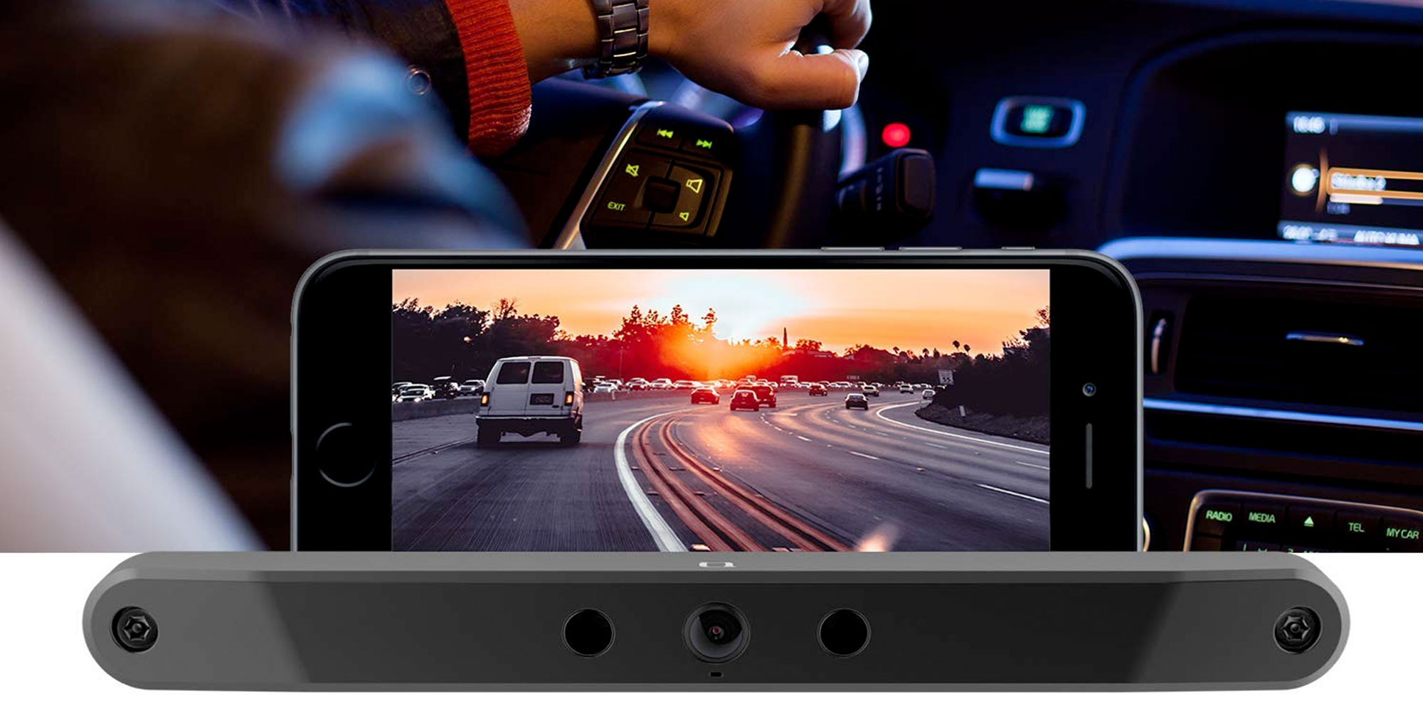 See behind you & learn to park in reverse perfectly w/ this wireless backup camera for $99 (Reg. $120)
