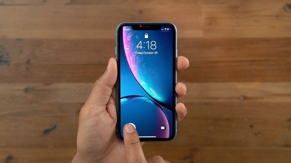 Get an iPhone XR for $576 + $200 prepaid MasterCard on Visible ($799 value)