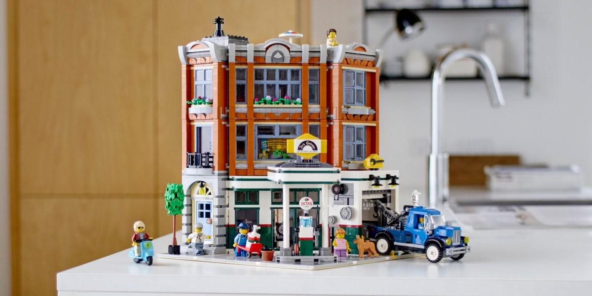 LEGO Creator Expert Corner Garage Lifestyle