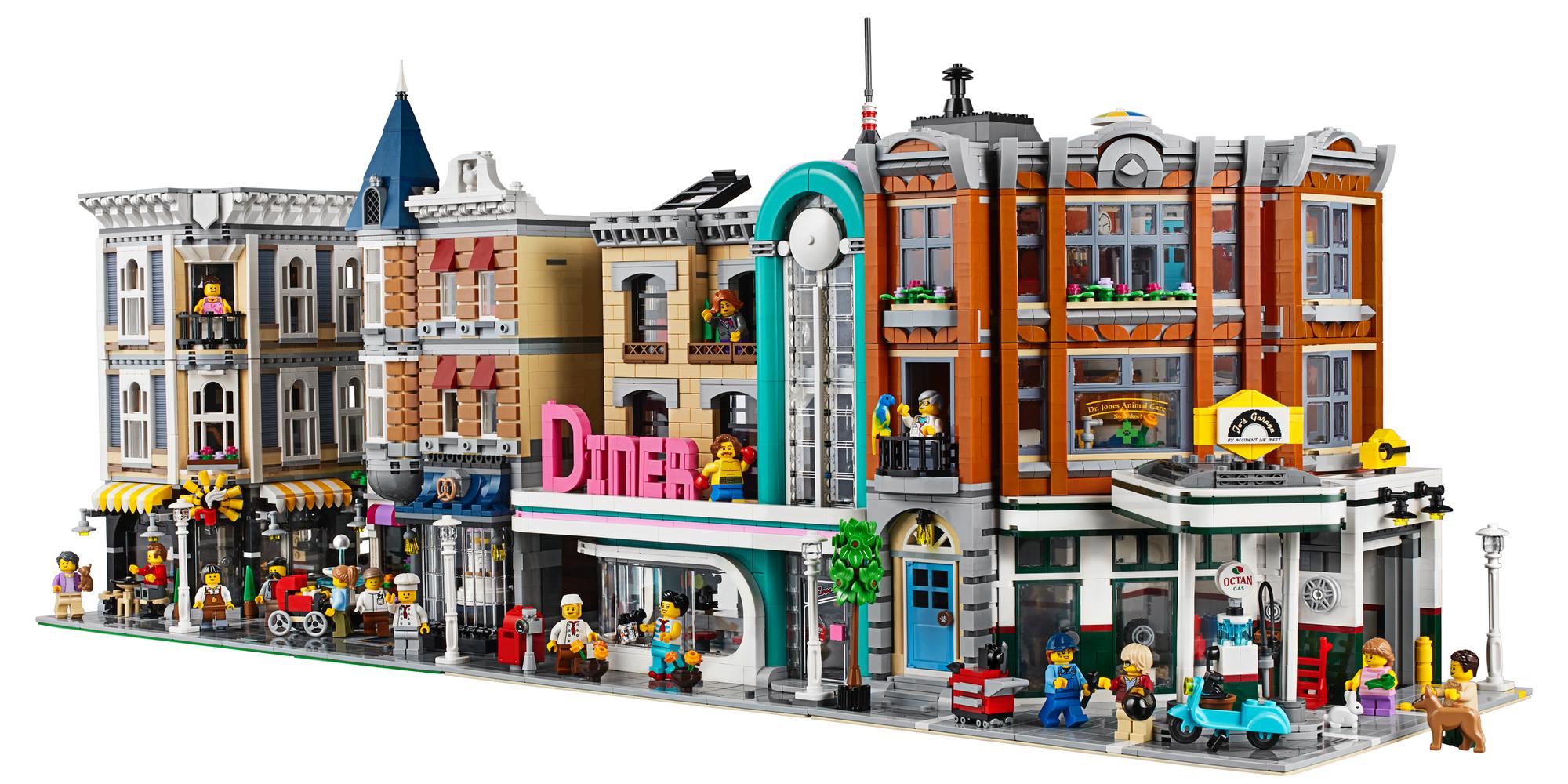LEGO Creator Expert Corner Garage Layout