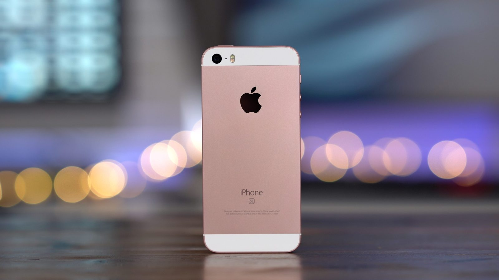 Apple Clearance has the iPhone SE back in stock for $249