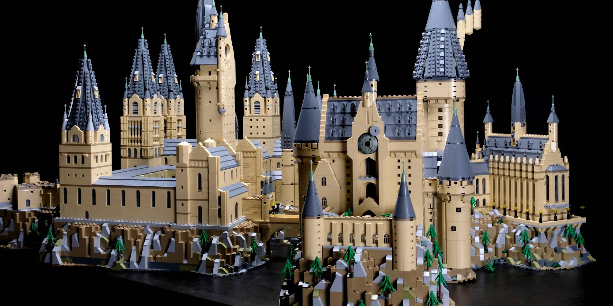 LEGO Hogwarts Castle expansion backside