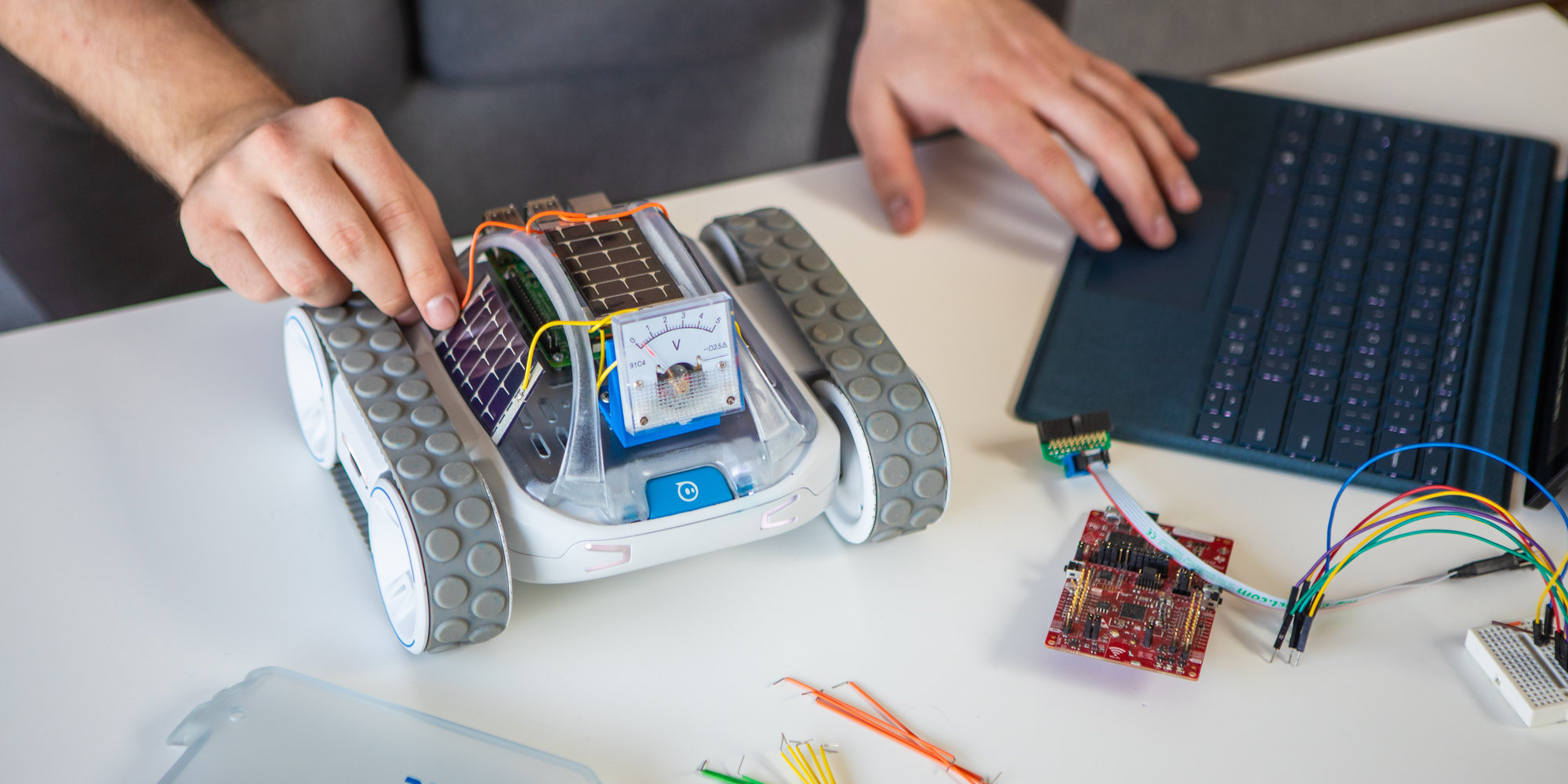 Sphero launches RVR, its first fully programmable robot that integrates with Raspberry Pi