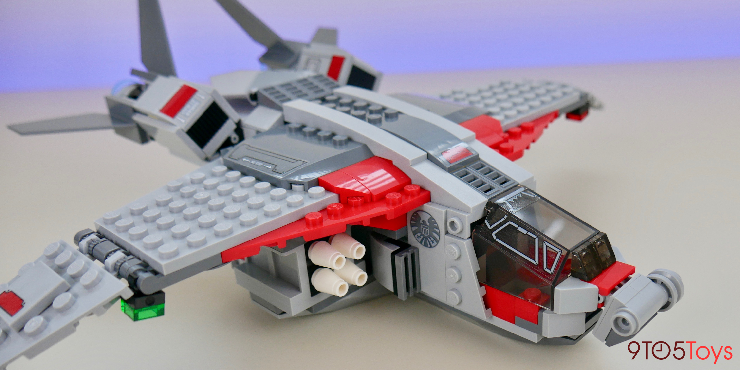 LEGO Captain Marvel 76127 Quinjet front