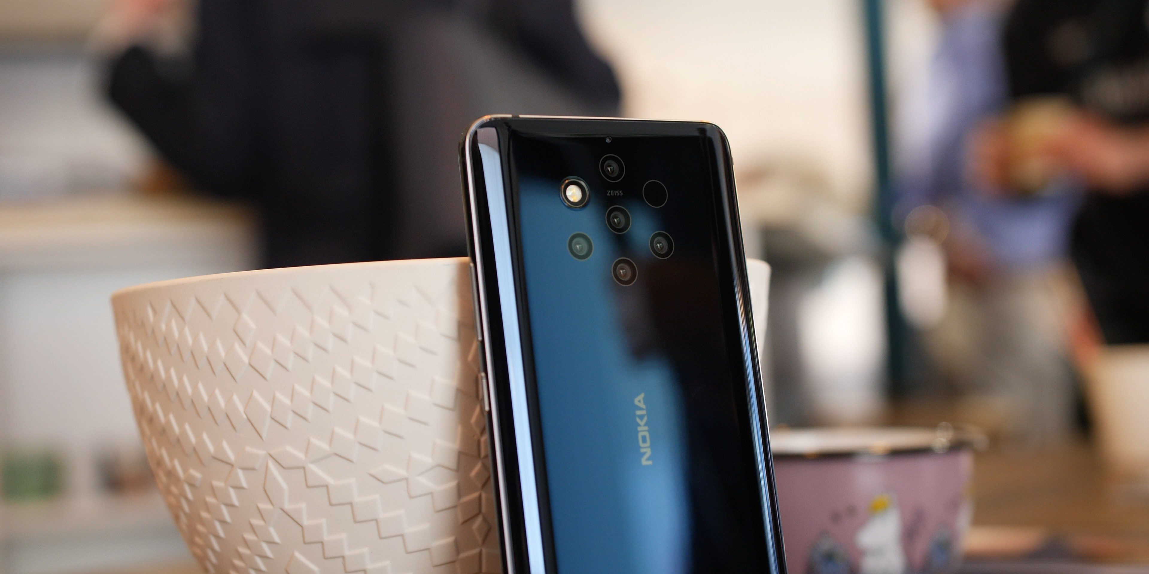 Nokia 9 Pureview sports five cameras and is now on sale $100 worth of extras: $500 (Reg. $600)