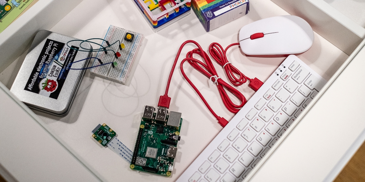 Raspberry Pi Keyboard and Mouse in-store