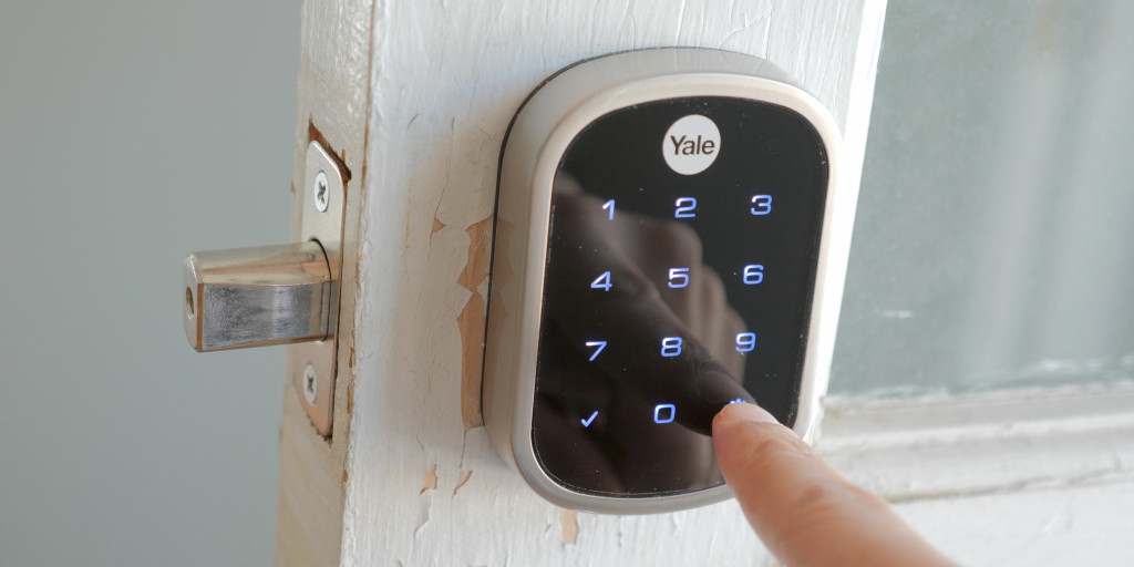 Best Smart Locks For Your Homekit Alexa And Z Wave Homes