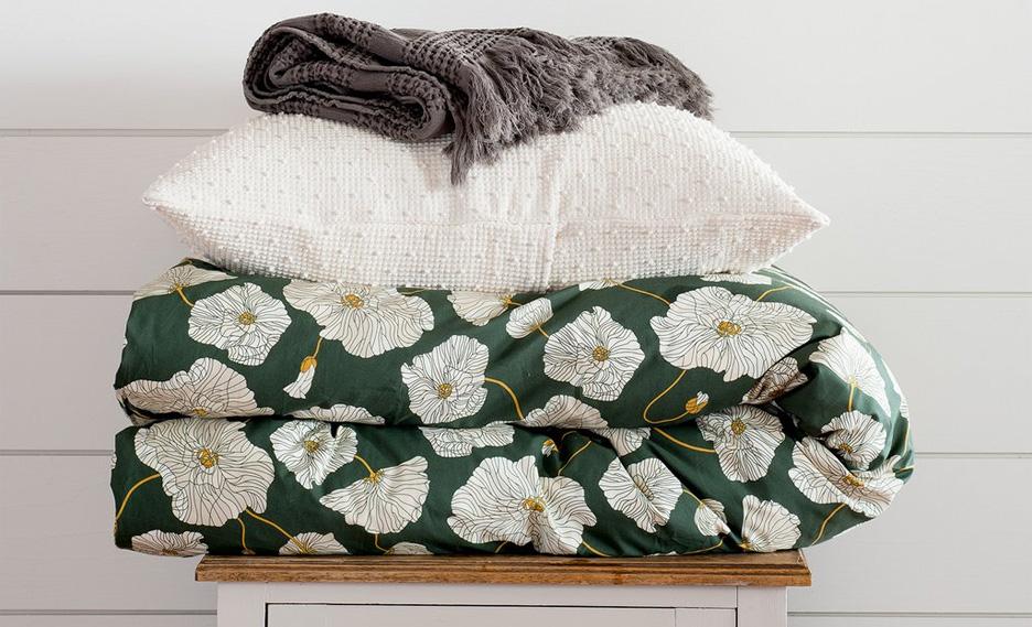 Schoolhouse-Spring-Line-Bedding