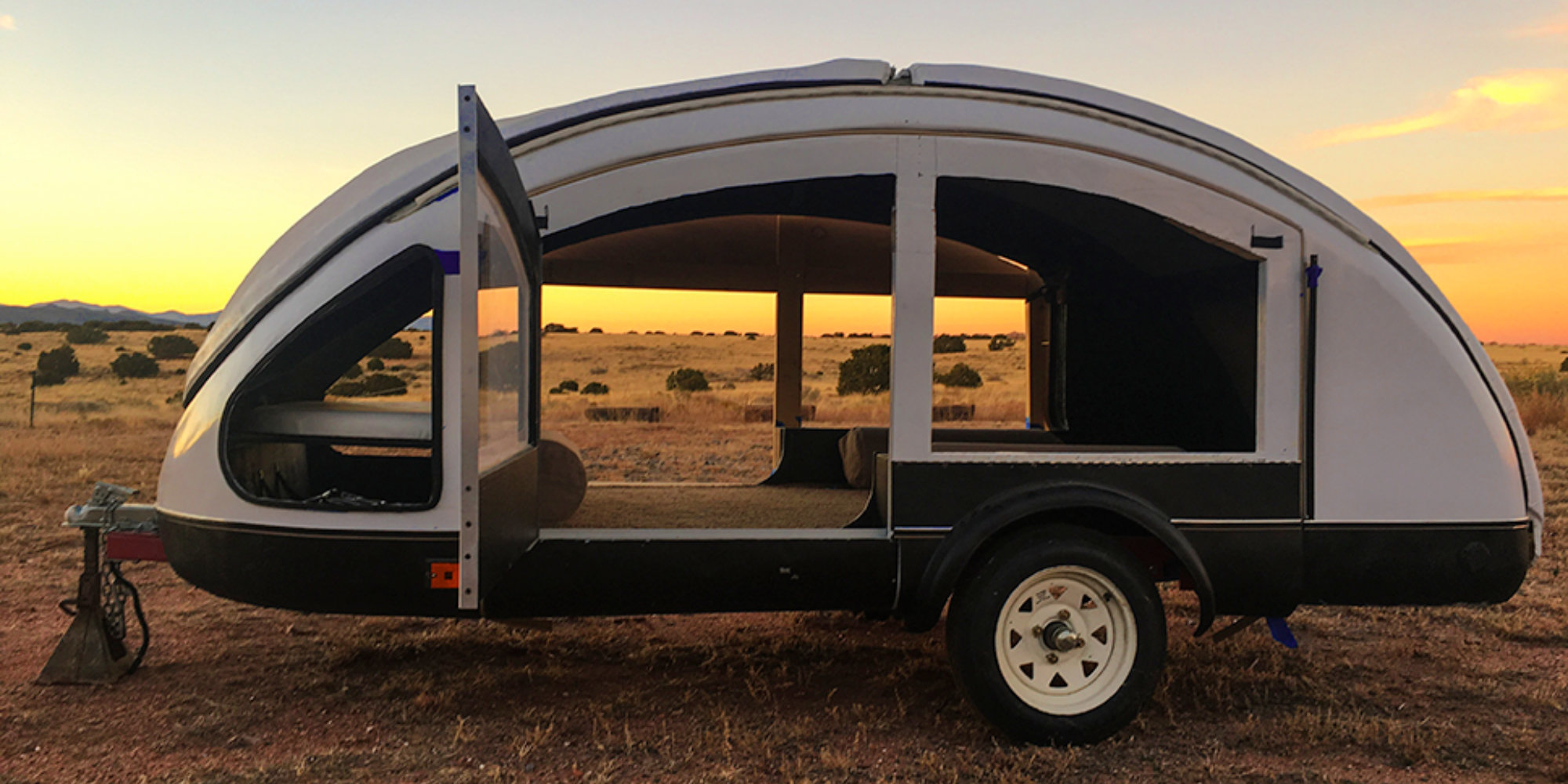 The new Earth Traveler Teardrop Trailer is made of carbon fiber and weighs in at only 216 pounds