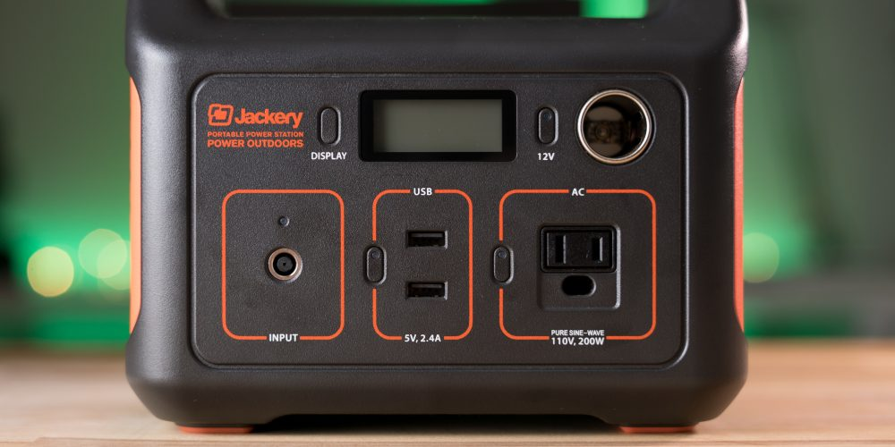 Jackery Explorer 240 plugs