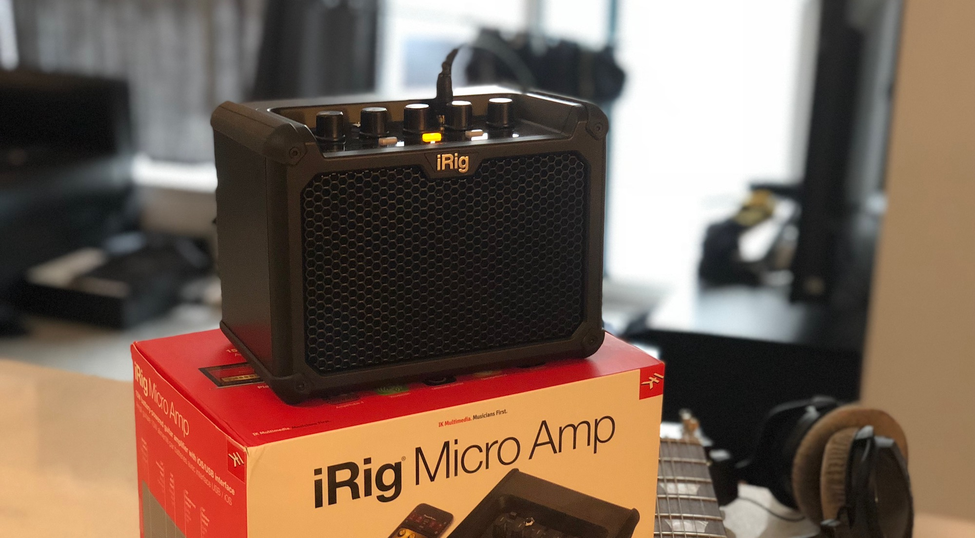 iRig Micro mini guitar amp unboxing