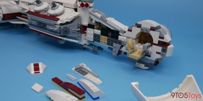 LEGO Tantive IV set Construction
