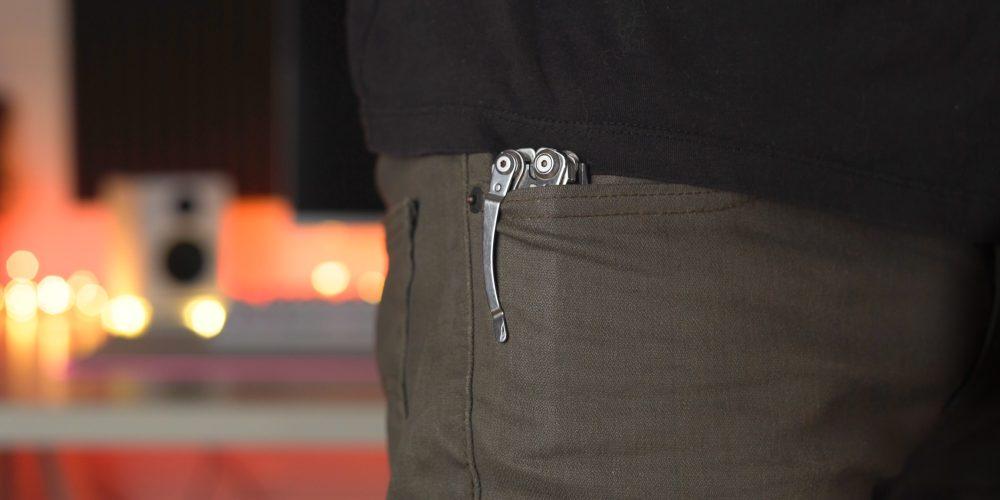 Leatherman Skeletool folded in pocket