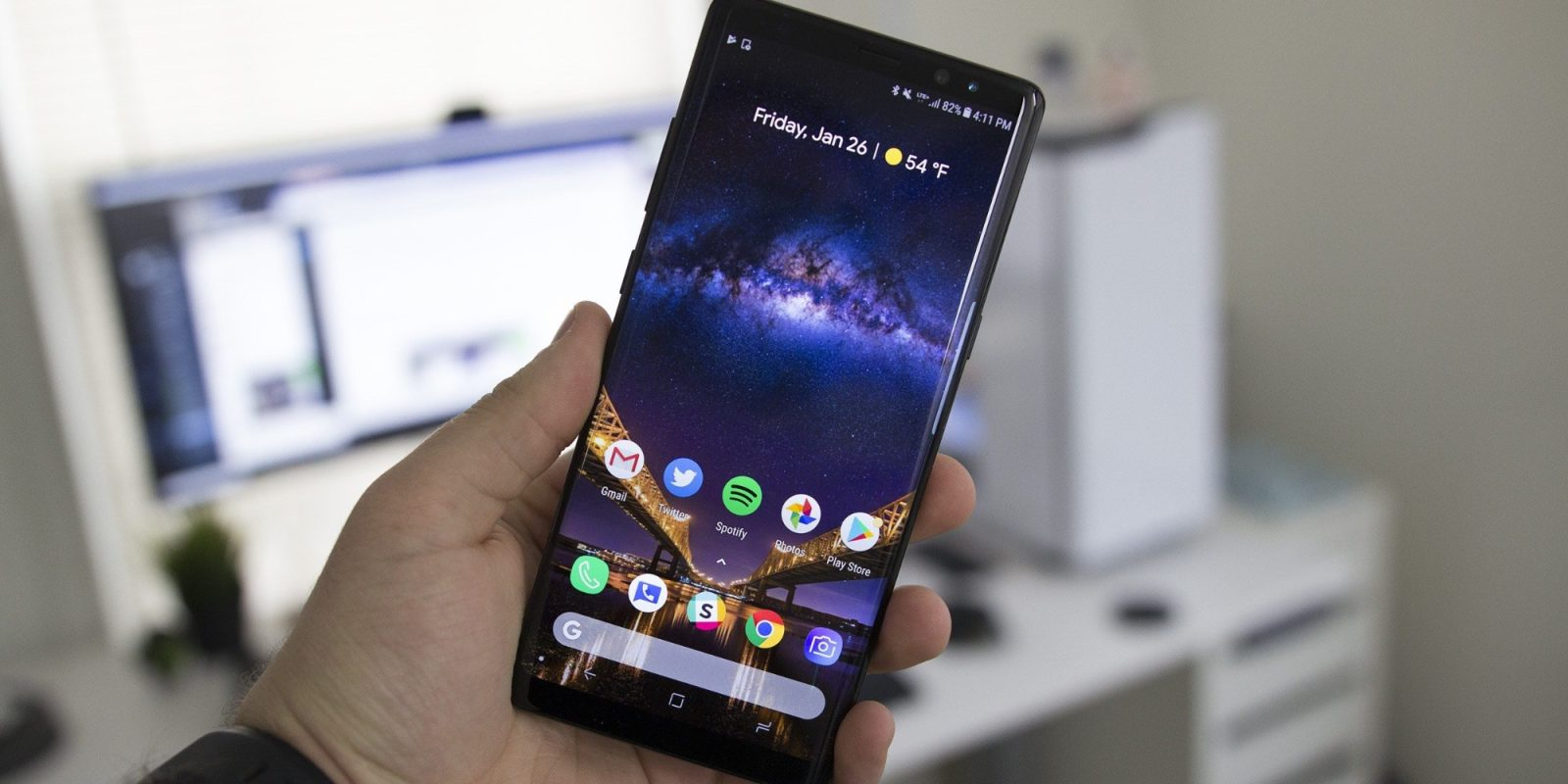 Amazon clears out Samsung Galaxy Note 8, on sale for $470.50 (Reg. $900)