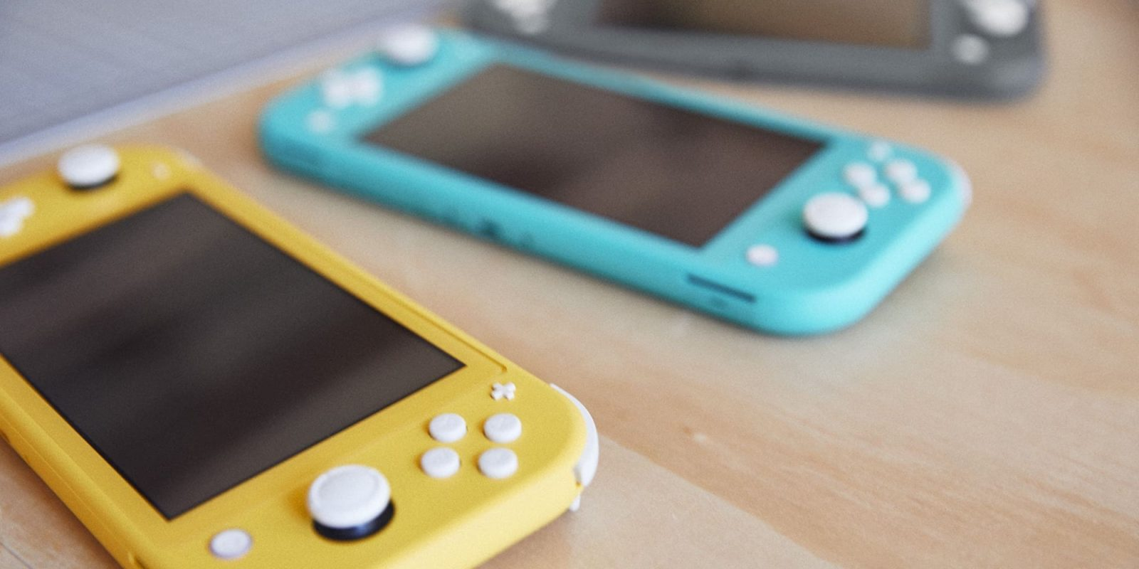 Nintendo Switch Lite gets first discount to $170 in all three colors
