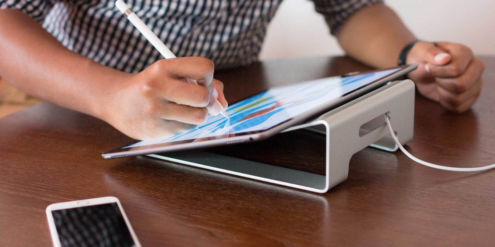 Prop up a MacBook or iPad with Twelve South's ParcSlope Stand at $40 (33% off)