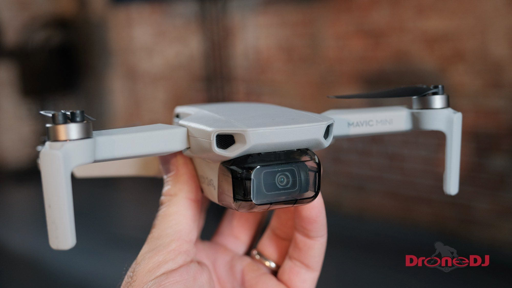 New Ultra-Light DJI Mavic Mini introduced - It weighs only 249 grams!